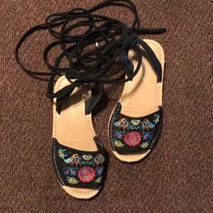 Other - Girls Sz10 flower embroidered tie sandals